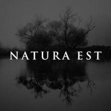 Natura Est Photo